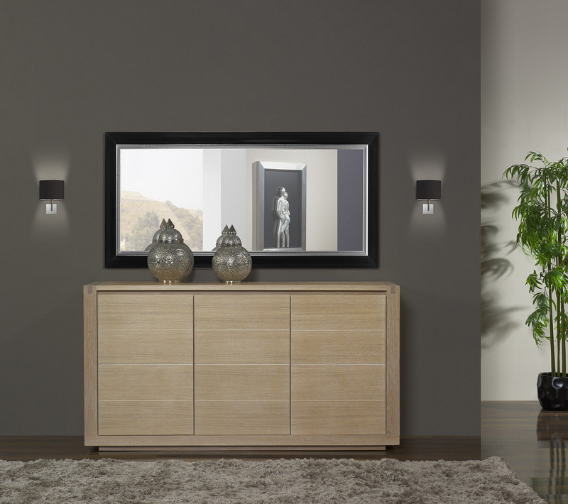 meuble en ch ne buffet 3 portes mathis r alis en ch ne de style contemporain. Black Bedroom Furniture Sets. Home Design Ideas